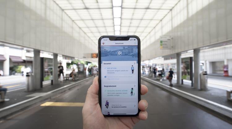 Die SwissCovid-App soll weitere Funktionen erhalten. (Keystone)