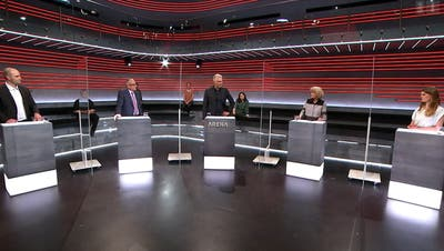 SRF-Moderator Sandro Brotz und seine Gäste. (Screenshot: SRF Arena)