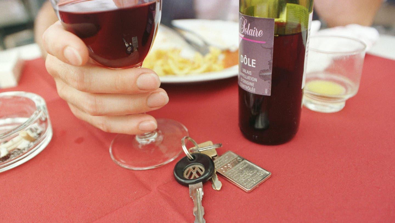Die alkoholisierten Autolenker mussten ihren Führerausweis abgeben. (Symbolbild)