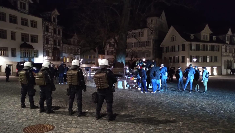 Die Polizei griff in St.Gallen konsequent durch. (Bild: Sandro Büchler)