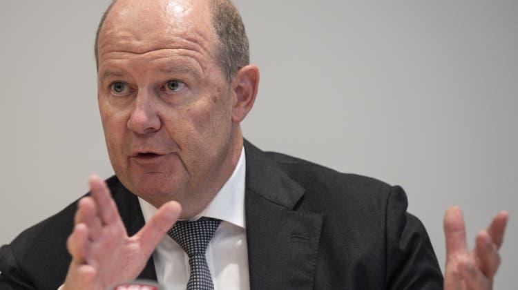 Laut Arbeitgeberpräsident Valentin Vogt soll die Schweiz mehr Coronainfektionen in Kauf nehmen. (Keystone)