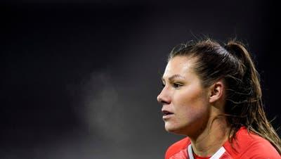 Das Wort von Ramona Bachmann hat Gewicht: Sie will alles daran setzen, dass Mädchen in der Schweiz dank der EM Interesse am Fussball bekommen. (Claudio Thoma / freshfocus)