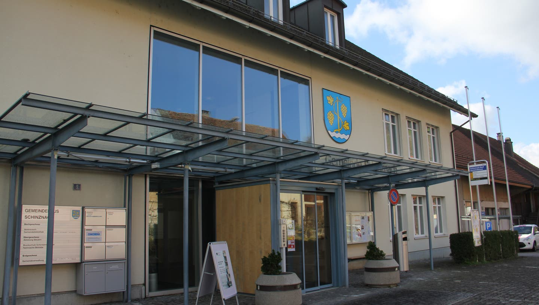 Das Bild zeigt das Gemeindehaus im Ortsteil Schinznach-Dorf. (Bild: Claudia Meier (7. März 2020))