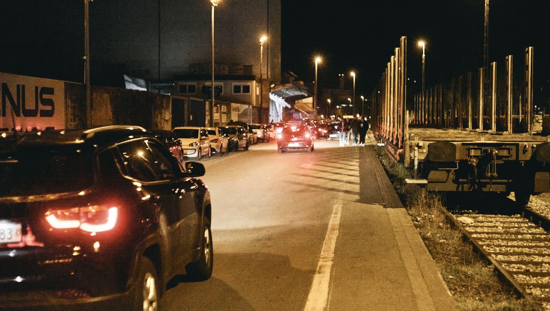 Vor einigen Jahren hatte die Polizei auf der Strecke Bodenwellen installiert, um schnelles Fahren und Beschleunigen zu verhindern. (Roland Schmid/BLZ)