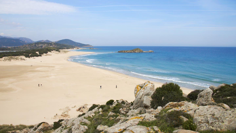 Strand Su Giudeu in Chia, Sardinien. (Sardegna Turismo/Elisa Locci/Shutterstock / SON)