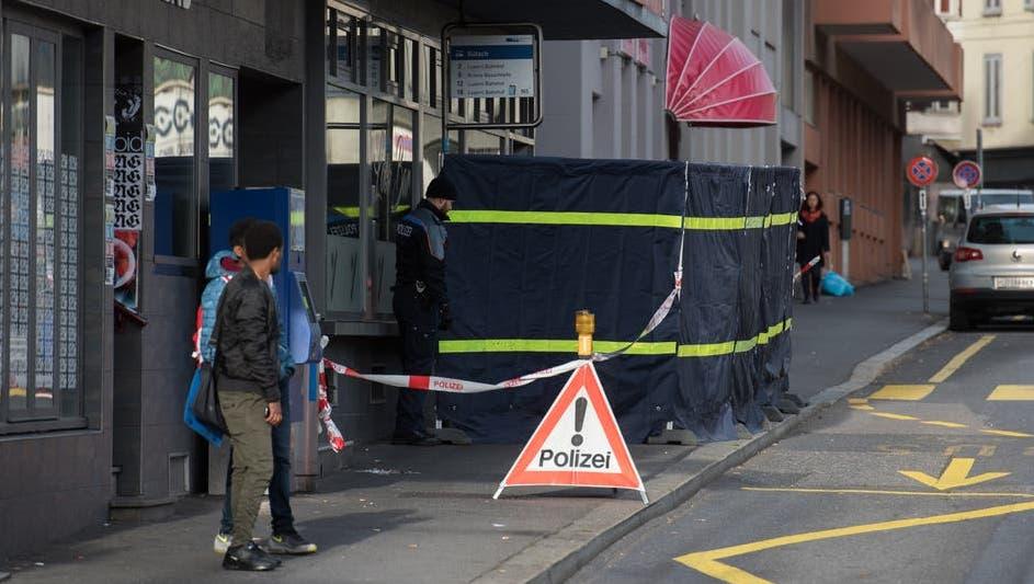 Mit Messer in LocoBar zugestochen: Anklage plädiert auf eventualvorsätzliche Tötung, die Verteidigung setzt auf Notwehr