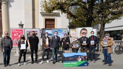 SVP Stadt Olten mit Standaktion vor der Stadtkirche