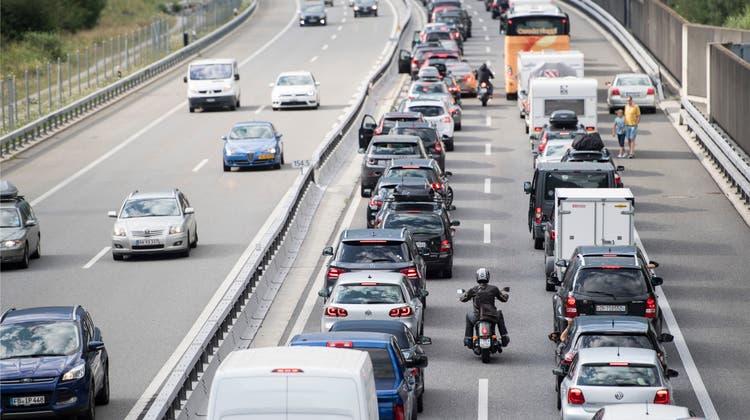 Im Verkehr sind dieCO2-Emissionen in den letzten 30 Jahren gestiegen. (Symbolbild) (Keystone)