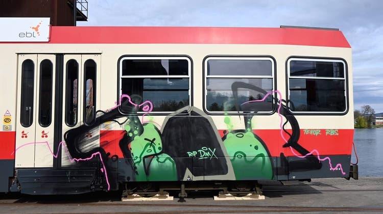 WB-Fahrzeuge wurden Opfer von Vandalen. (Bilder: Team Schwarz)