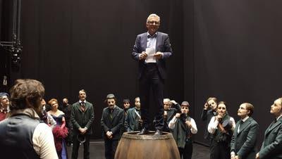 Künstler Andreas Homoki bei der Premierenfeier am Sonntag. (Opernhaus Zürich/Facebook)