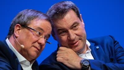 CDU-Chef Armin Laschet (l), und sein Amtskollege von der CSU: Macht Markus Söder dem Ministerpräsidenten aus Nordrhein-Westfalen die Kanzlerkandidatur streitig? (Guido Kirchner / dpa)