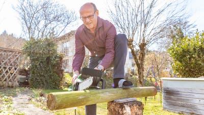 In seinem Garten wird Jean-Claude Rebetez künftig wohl noch öfter anzutreffen sein. (Fabio Baranzini)