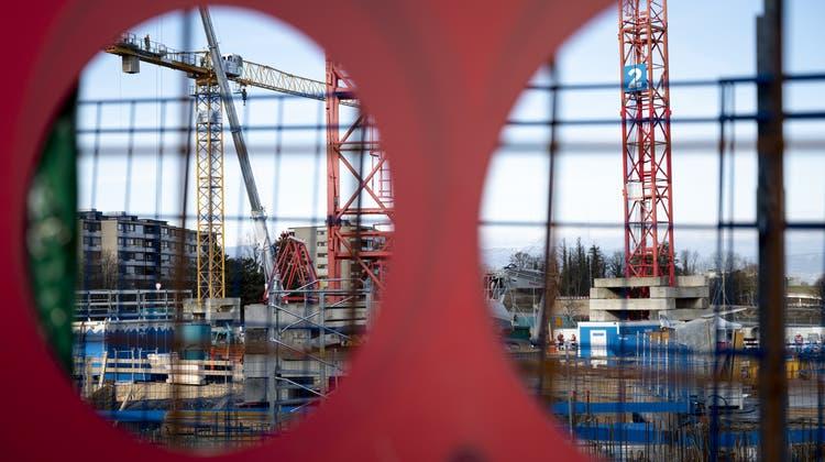 Die Schweizer Bauwirtschaft wehrt sich gegen Überregulierungen. (Keystone)