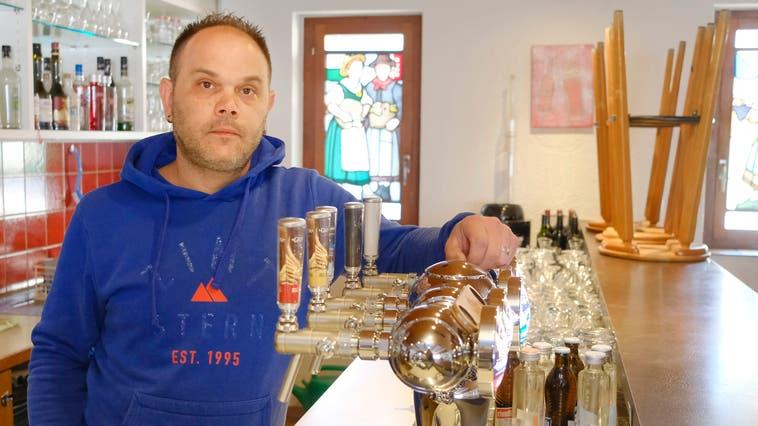 Pascal Ammann und seine Frau warten seit Monaten auf Hilfsgelder. Die «Weinburg» in Diegten steht kurz vor dem Aus. (Kenneth Nars (13.4.2021))