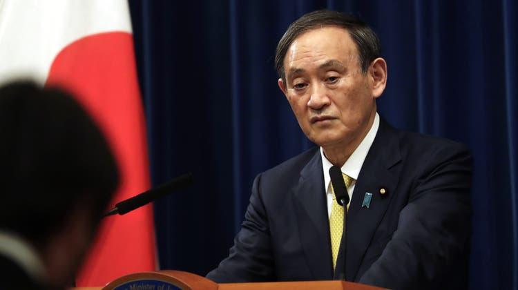 Der japanische Ministerpräsident Yoshihide Suga. (Archivbild) (Hiro Komae / AP)