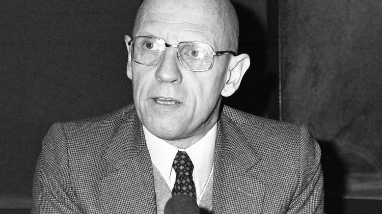 Der französische Philosoph Michel Foucault 1981 in einem Studio in Paris. (Archivbild) (Keystone)