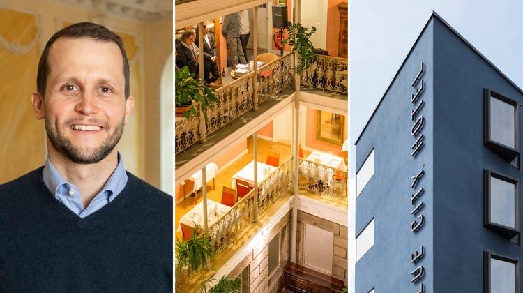 «Limmathof»-Direktor Lorenz Diebold im grossen Saal. Er gibt per Ende April die Leitung des Hotels weiter. (Alex Spichale)