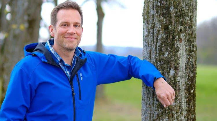Für Thomas Zumbrunn haben die letzten Monate grosse Änderungen gebracht: In der Gemeindepolitik ist er aufgestiegen, beruflich vom Unispital Basel zu Pro Natura Baselland umgestiegen. (Bild: Kenneth Nars)