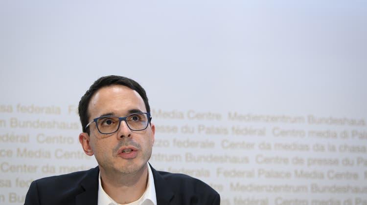 Stefan Kuster an einer Pressekonferenz in Bern. (Keystone)