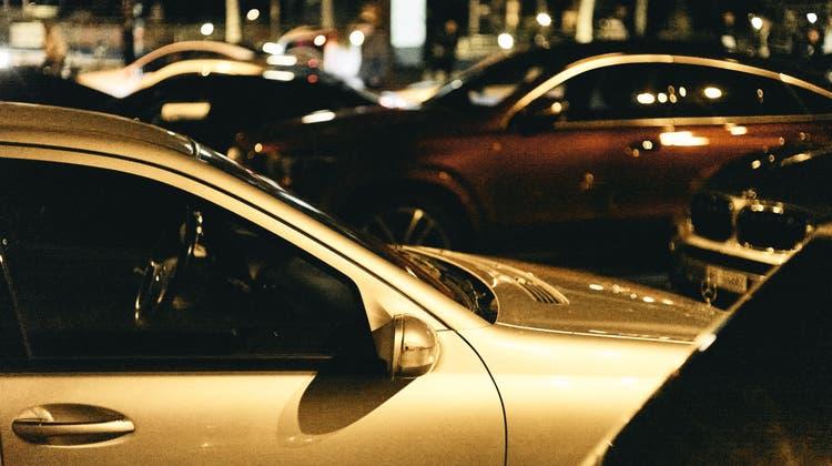 Autofans wünschen sich eine Verbesserung im Umgang mit Medien und Polizei. (Roland Schmid)