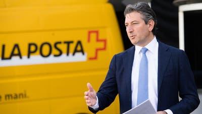 Die Post will künftig fast 200 Paketboxen mehr aufstellen und auch Bestellungen aus dem Ausland ausliefern, wie Post-Chef Roberto Cirillo an einem Mediengespräch am Mittwoch sagte. (Archivbild) (Keystone)