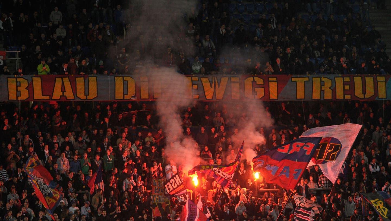 Es brennt lichterloh beim FC Basel. Die Kurve will ihre Saisonkarten zurückgeben. (Freshfocus)