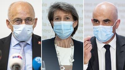 Bundesrat Alain Berset spricht an einer Medienkonferenz zu beschlossenen Massnahmen zur Covid 19 Pandemie. (Peter Schneider (Keystone))