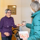 Die Pro Senectute blieb auch im Coronajahr in Kontakt mit den Seniorinnen und Senioren. (Bild: Fabio Baranzini)