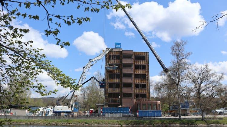 Bald Geschichte: Das Betriebsgebäude der EKZ an der Überlandstrasse 2 in Dietikon. (Bild: Sven Hoti)