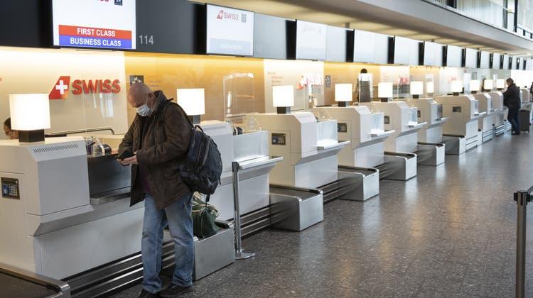 Eher Stehhafen als Flughafen: In Zürich-Kloten sind Airline-Passagiere nach wie vor Mangelware. (Laurent Gillieron / KEYSTONE)