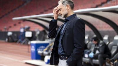 Mag nicht mehr hinschauen: FCZ-Trainer Massimo Rizzo. (Freshfocus)