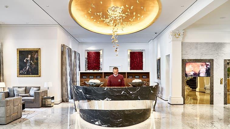 Concierge im Grand Hôtel Quellenhof in Bad Ragaz. (Bild: PD)