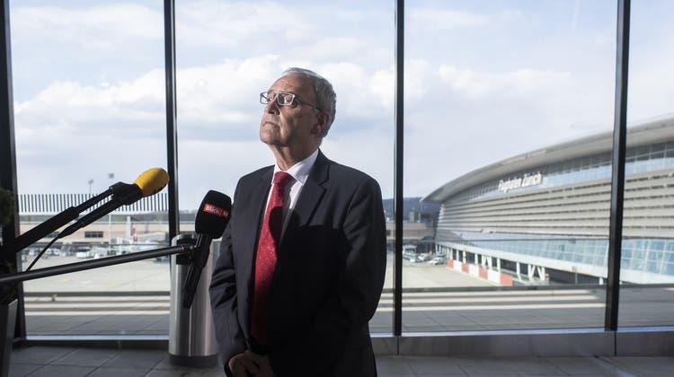 Bundespräsident Guy Parmelin besuchte am Donnerstag den Flughafen Zürich. (Keystone)