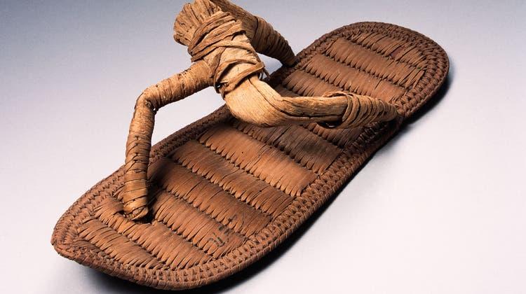 So gut wie neu: Palmbast-Sandale aus dem13. Jahrhundert v. Chr. (Antikenmuseum Basel und Sammlung Ludwig)