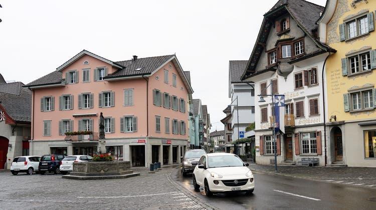 Die Brünigstrasse beim Sarner Dorfplatz. (Bild: Romano Cuonz (25. September 2020))