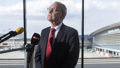Bundespräsident Guy Parmelin spricht zu den Medien an einem Point de Presse über die Auswirkungen der Corona-Pandemie auf die ZürcherWirtschaft, den Flughafen und den Tourismus. (Ennio Leanza / KEYSTONE)