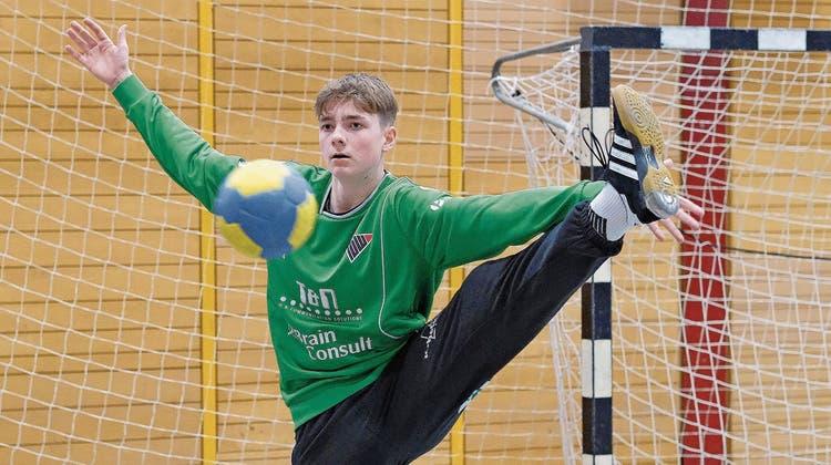 U17-Goalie David Setalo aus Birsfelden ist froh, dass er in jedem Training speziell beobachtet wird. (Bild: Kenneth Nars)