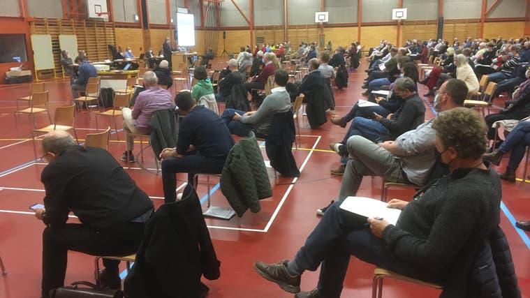 Die Gemeindeversammlung findet in der Dreifachsporthalle Tannenbrunn statt. (Simon Tschopp)