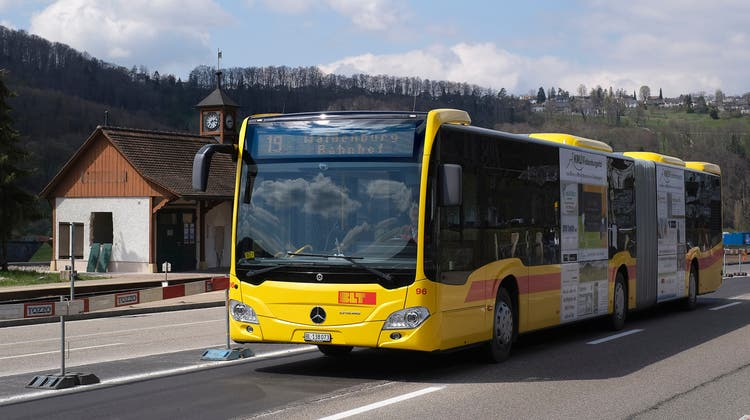 Wie der Ersatzbus aktuell, soll auch die Waldenburgerbahnnach Fertigstellung alle 15 Minuten verkehren. (Kenneth Nars)