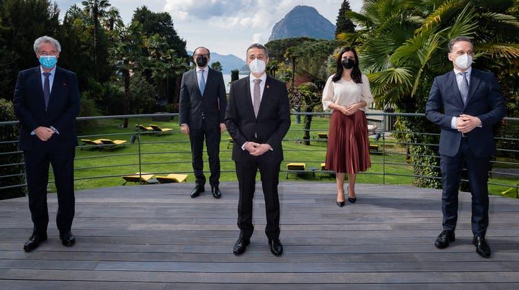 Die fünf Aussenminister trafen sich am Freitag in Lugano zu Gesprächen. (Keystone)