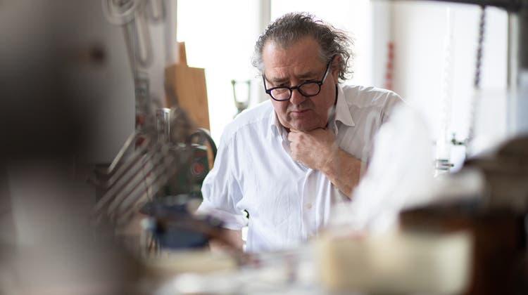 Pavel Schmidt in seinem Atelier in Derendingen. (Tom Ulrich)