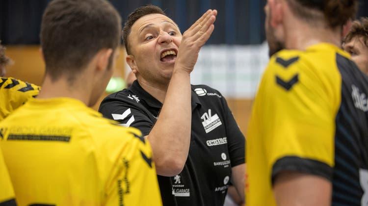 Trainer Zoltan Majeriweiss: Sein Team macht zu viele Fehler. (Marc Schumacher / freshfocus)