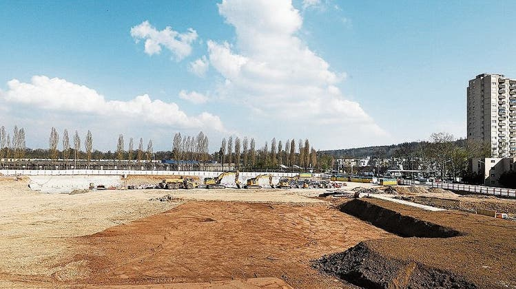 Die tiefen Zinsen sorgen für mehr Investitionen in Immobilien: Baustelle Stockenhof in Regensdorf. (Sibylle Meier)