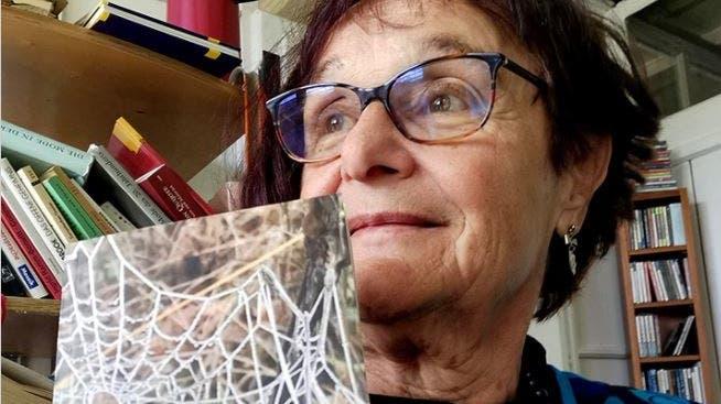 Autorin Iris Minder und ihr neues Buch (zvg)