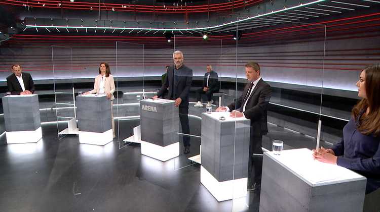 Zu Gast in der SRF-«Arena» waren (v.l.n.r.): SVP-Nationalrat Thomas Matter, FDP-Nationalrätin Maja Riniker, GLP-Nationalrat Martin Bäumle und SP-Nationalrätin Samira Marti. (Screenshot/SRF)
