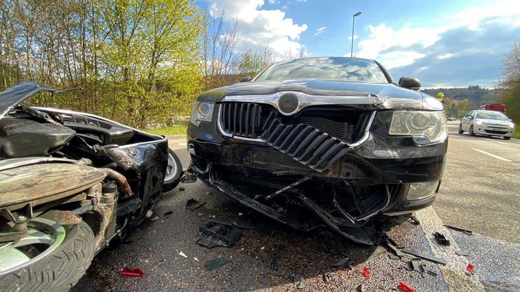 Der Autolenker, welcher auf die Rollerfahrerin auffuhr, musste seinen Führerausweis auf der Stelle abgeben. (Kapo AG)
