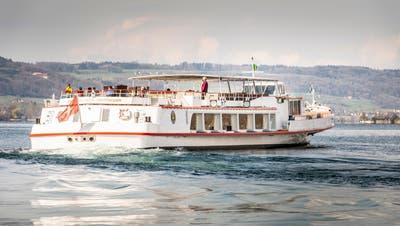 Die MS Schaffhausen auf dem Untersee bei Steckborn unterwegs in Richtung Stein am Rhein und Schaffhausen. (Bild: Andrea Stalder)