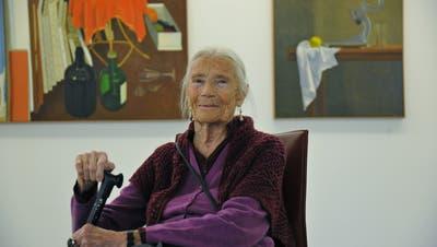 Aimée Moreau freut sich über die grosse Ausstellung im Haus für Kunst Uri mit zahlreichen Malereien von ihr. (Bild: Urs Hanhart (Altdorf, 17. April 2021))
