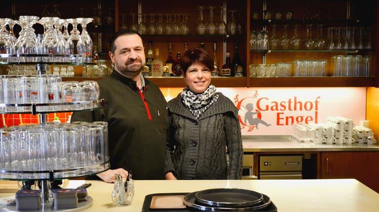 Das Ehepaar Vito und Claudia Lupoliwirtet seit sechs Jahren im «Engel». (Daniel Vizentini)