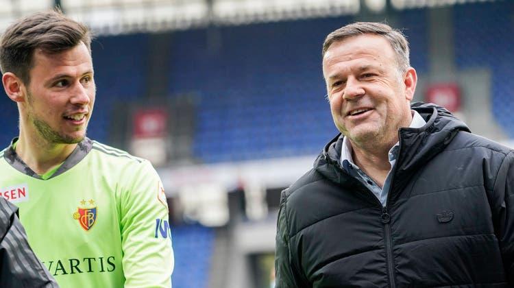Gute Stimmung im Team: Heinz Lindner und Patrick Rahmen plaudern nach dem 5:0-Kantersieg. (Andy Mueller / freshfocus)
